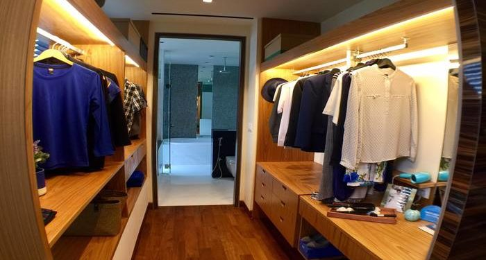 Chancery Hill Villas walk in wardrobe